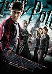 Harry Potter und der Halbblutprinz, Filmplakat  Fotos: © 2009 Warner Bros. Ent. Harry Potter Publishing Rights © J.K.R.  Harry Potter characters, names and related indicia are trademarks of and © Warner Bros. Ent. All Rights Reserved.